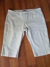 Women size 20 white denim knee length pants good condition