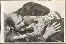 76 YVETOT PHOTO PRESSE ANDRE MARIETTE & SON CHIEN LOUCKY 1976