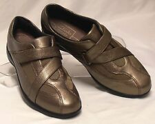 CLARKS Active Air Size 7 M Bronzy Gold Leather Cross-Strap-Adjust Sporty Loafers