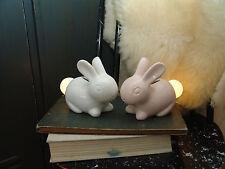 Ostern LED Nachtlicht, Kinderzimmer Hase aus Porzellan, weiß/rosé, Baby