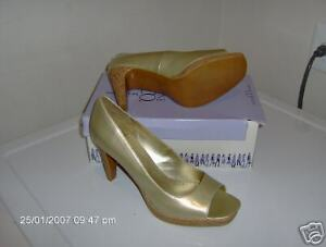 Nine & Co/ Nine west Give up Gold Synthetic  womens 9M