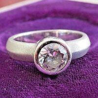 Edler 925 Silber Ring Solitär Zirkonia wie Diamant Matt Platin Optik Edel Klar