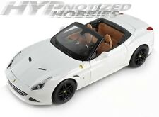 BBURAGO 1:18  FERRARI SIGNATURE SERIES - CALIFORNIA T DIE-CAST WHITE 16904