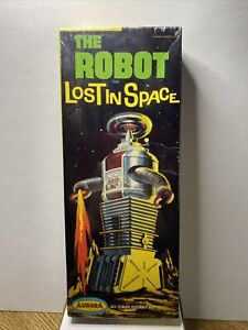 "Rare Vintage 1968 The Robot ""Lost in Space"" Model Kit by Aurora"