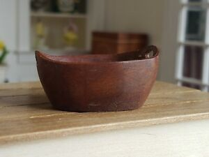 Dollhouse Miniature Artisan Nicole Marble Walton Wood Carved Basket Signed 1:12