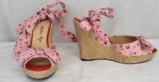 New Bettie Page Melissa Pink Polka Dot/Strawberries Fabric Straw Wedge Sandal 7M