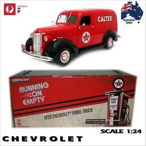 "1939 Chevrolet Panel Truck ""CALTEX"" Scale 1:24 Diecast Model Car chev van models"