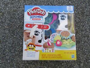 Play-Doh Kitchen Creations Set Milk 'N Cookies