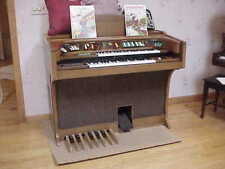 Lowrey Organ with Foot Pedals Excellent Condition