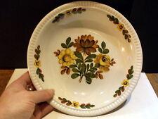 Diepe serveerschaal Boch made in Belgium met bloemen patroon