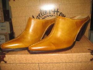 Charlie 1 Horse I6137 BU Leather Mule Slide Tan  NEW