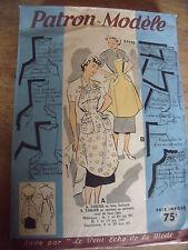 ANCIEN PATRON ECHO DE LA MODE  2 TABLIERS A BAVETTE     TAILLE 44