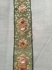 Superbe ruban ancien velours et soie brodée   larg 4.5 cm x H 68 cm, réf 738