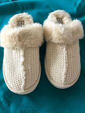 Women's,Juniors Arizona Off White knitted,faux fur slip on slippers size 6