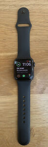 Apple Watch Series 4 40mm Space Grey Cracked Screen Still Works With Sport Band