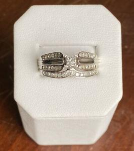 14K White Gold .33 TCW Princess & Round Cut Diamond Wedding Ring Set - Size 8
