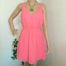 DIVIDED Woman Dreses Hot Pink size 8.
