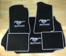 Autoteppich Fußmatten Kofferraum Set für Ford Mustang Cabrio silb. 94-04 Velour