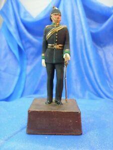 The Sentry Box Model Reviere Full Ceremonial Dress soldier on base-metal