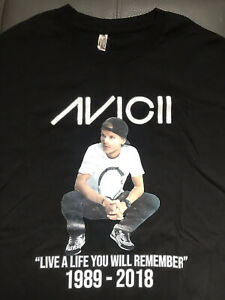 Avicii Shirt Tribute. Live A Life You Will Remember. Black. Size L