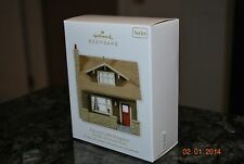 2011 Hallmark Arts & Crafts Bungalow Nostalgic Houses & Shops #28 Xmas Ornament