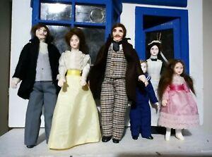 Full set of early Jill Nix dollshouse dolls - collectors items