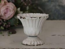 Assiettes et bols antiques en métal pour la décoration du salon