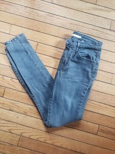 NWOT Women's 721 High Rise Skinny Levi's Gray Wash Size 26 R