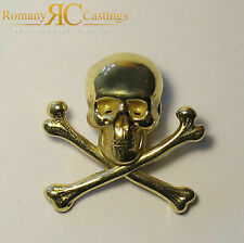 Skull and Cross Bones Pin Badge Jewellers Bronze and Dipped in 9ct Gold 5.3g
