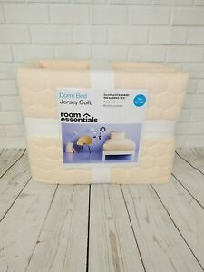Room Essentials Coral Twin/XL Twin Bed Jersey Quilt Comforter
