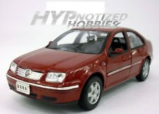 WELLY 1:24 2001 VOLKSWAGEN BORA DIE-CAST RED 28429 N/B