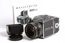 Hasselblad 501 CM + Planar CB 2,8/80 T* + Magazin A12 6x6 + Lichtschachtsucher