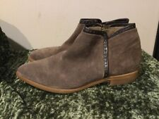 Italeau Brownish Suede Short Ankle Zipper Flat Booties Boots 38 8 7.5