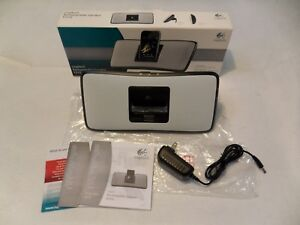 NEW OPEN BOX  Logitech Rechargeable Speaker S315i Portable for iPod/iPhone WHITE