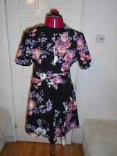Glamorous Floral Pattern Short Sleeve Open Front and Back A Line Dress UK 12