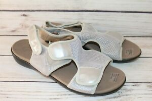 HOMY PED Brand Silver Mesh Comfort Sandal Flats Size 11 NEW