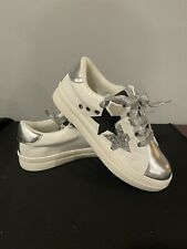 New listing Girls Kidpik Silver Glitter Sneakers Tennis Shoes New Size 4