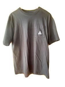 Palace t shirt medium Black