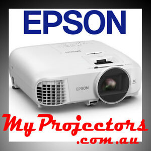 EPSON EH-TW5700 HOME THEATER PROJECTOR GOOD FOR MOVIES, GAMING WATCHING SPORTS!