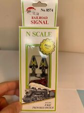 Model Power N Scale 8574 Railroad Signal Lighted Crossing Railroad