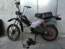 Motos, scooters et quads mobylettes