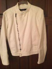 Gucci Womans White Denim Jacket Retail 600.00 Size Small 46