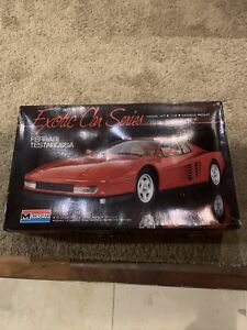 LARGE, Monogram Vintage 1:12 Scale Ferrari Testarossa Model Kit #2803,1991
