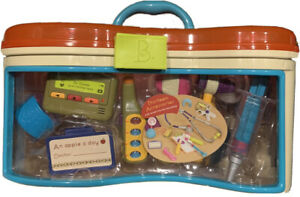 """NEW"" Battat Wee MD Play Doctor Set includes 13 accessories Carrying Case New. 8"