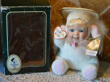 "ANGELLE ANGEL CUDDLE KIDS DOLL BY GEPPEDDO~2002~8"" TALL (SITTING)~PORCELAIN FACE"