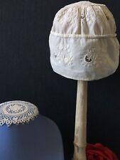 Bonnet Bébé / Enfant / Poupée Broderie sur fil de lin fin  Collection CF/37