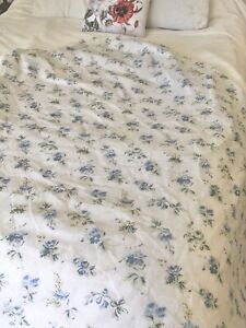 Westpoint Stevens Full Double Fitted Bottom Sheet Blue Cottage Floral