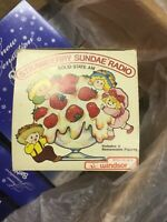 Vintage Windsor STRAWBERRY SUNDAE AM Solid State Transistor Novelty Radio UNUSED