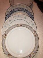 "4 Vintage Mismatched China/ironstone Plates Blue & White 10"" - 10-1/2"" Flowers"