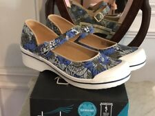 Dansko Valerie canvas strap shoe Blue Hawaii size 11M